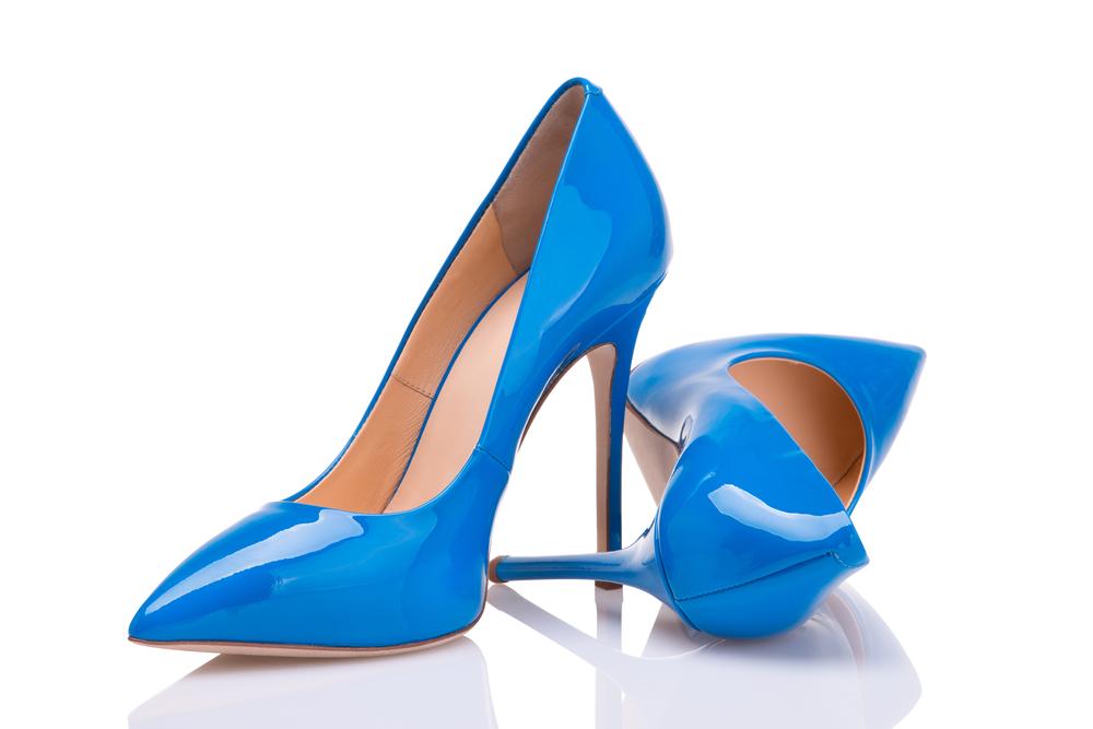 Immagine di scarpe con il tacco a spillo color turchese