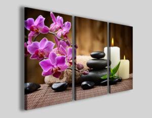Composizione da parete formata da tre rettangoli ravvicinati. Soggetto: orchidee rosa, candele e stone blalance